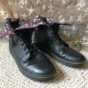 Doc Martens • Black Leather Lace Up Boots
